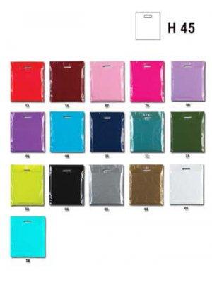 Mellem plastikpose i mange forskellige farver