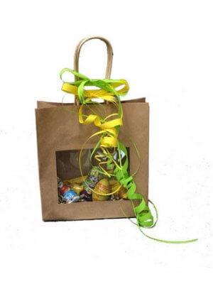 Stor papirpose med snoet håndtag & vindue